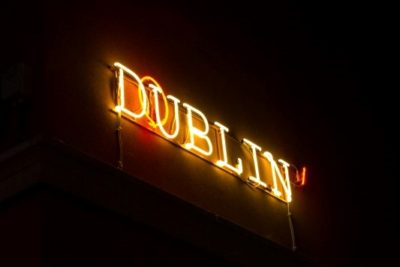 dublin', social art, luci al neon